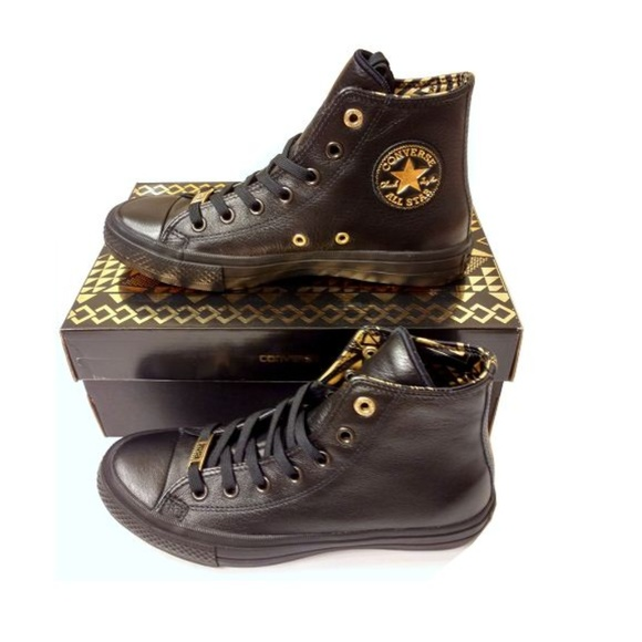 Size 8 Converese BHM Black History Month Leather. NWT. Converse ba648cf36